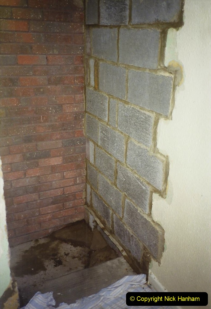 1989 April May June Your Host Building Cloakroom and shower room using alleyway between garage and house. (16)