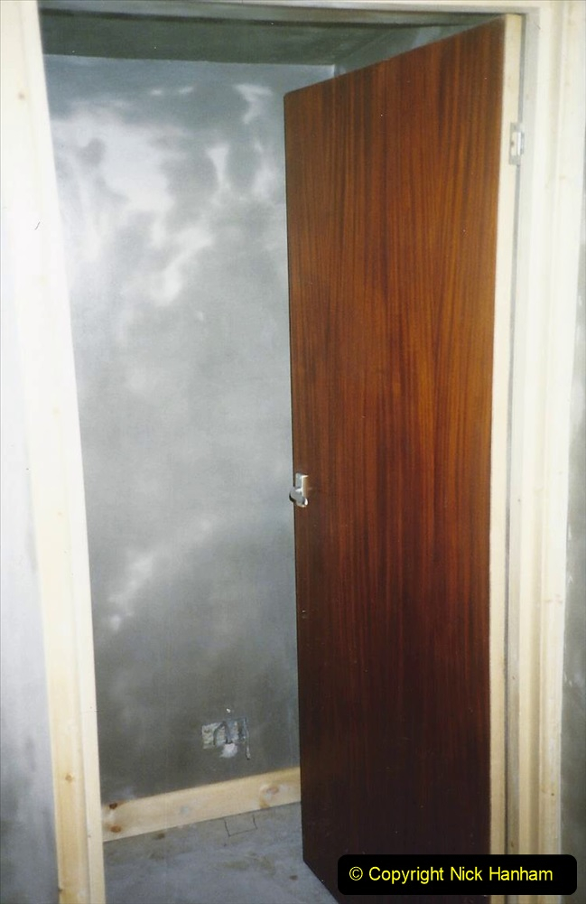 1989 April May June Your Host Building Cloakroom and shower room using alleyway between garage and house. (22)