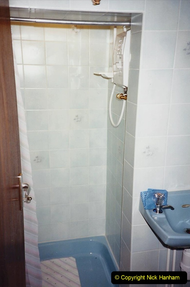 1989 April May June Your Host Building Cloakroom and shower room using alleyway between garage and house. (28)
