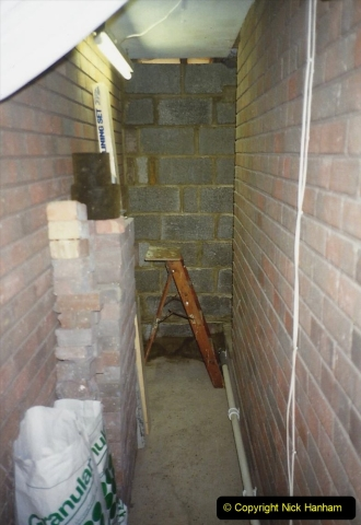 1989 April May June Your Host Building Cloakroom and shower room using alleyway between garage and house. (13)