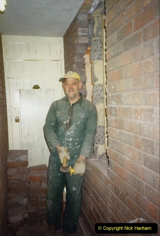 1989 April May June Your Host Building Cloakroom and shower room using alleyway between garage and house. (8)