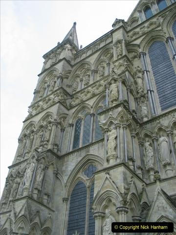Retrospective 2004 - Group visit to Salisbury Cathrdral. (4) 04