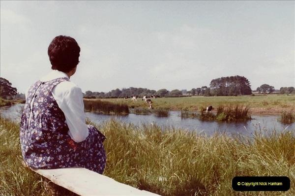 1982 Chreistchurch, Dorset. (16) 002193002