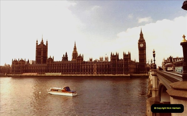 1982 London. (1) Houses of Parliment. 010201010