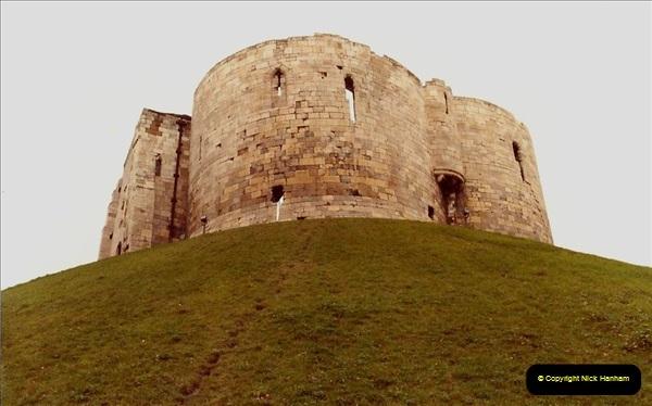 1982 York. (11) York Castle. 031222031