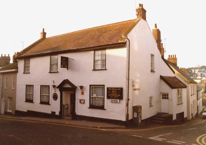 1983 Lyme Regis, Dorset. (15) The Monmouth Hotel. 084275084
