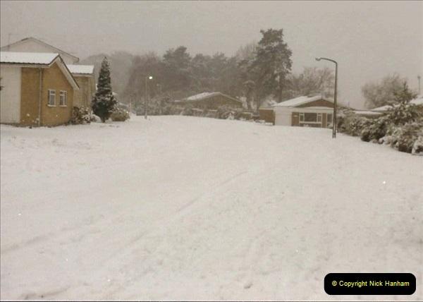 1985 Snow in Poole, Dorset. (11) Poole Park. 444253