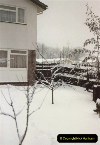 1985 Snow in Poole, Dorset. (12) Poole Park. 445254