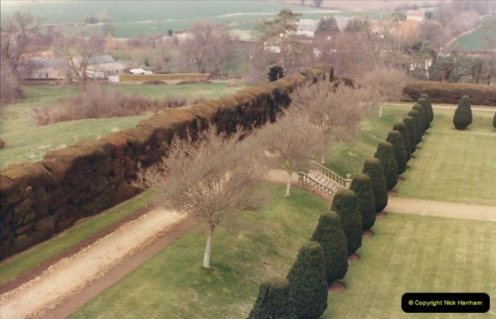 1986 NT Montacute House, Somerset. (24) 498307