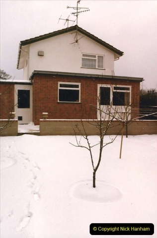 1986 Snow at your Host's Home. (1) 506315