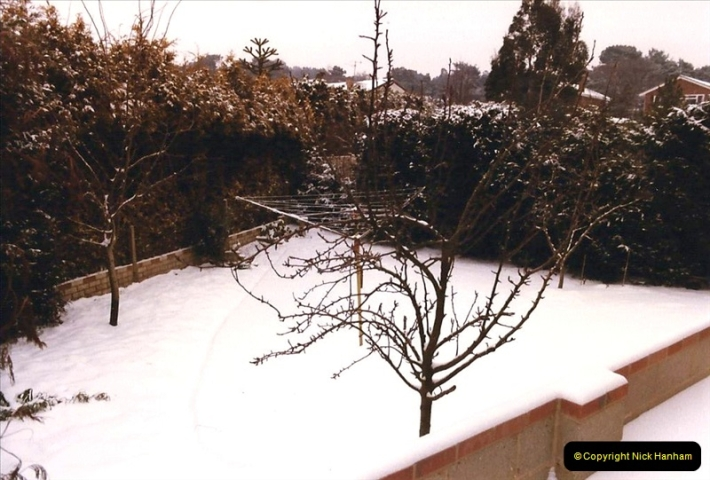 1986 Snow at your Host's Home. (4) 509318