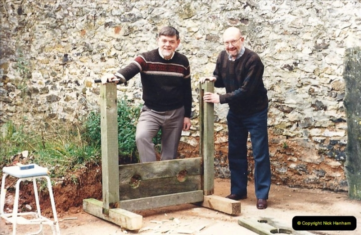 1987 Our B&B at Colestocks, near Honiton, Devon. (16) Your Host and friend Paul repair. 573379