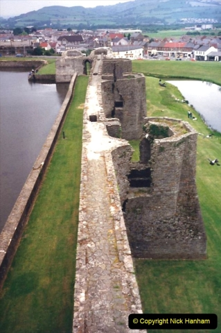 1988 Caerphilly Castle, Glamorgan, South Wales. (31)629442