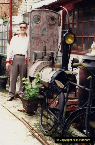 1988 Little Snoring, Norfolk. Not sure what the loco is. Your Host. (63)652466