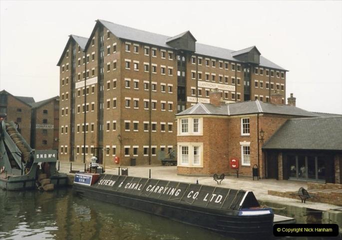 1988 National Waterways Museum. Gloucester Docks, Gloucestershire.(26) 732483