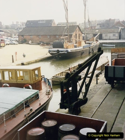 1988 National Waterways Museum. Gloucester Docks, Gloucestershire.(27) 733484
