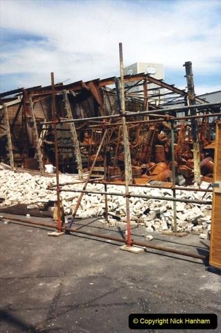1988 The British Drug Houses fire Poole, Dorset. 21 June. (26)693529