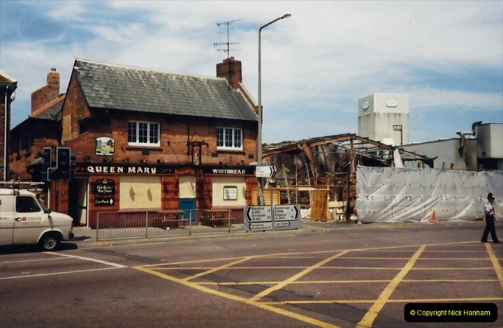 1988 The British Drug Houses fire Poole, Dorset. 21 June. (27)694530