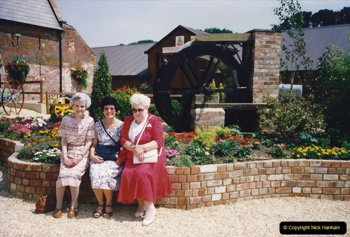 1992 Miscellaneous. (136) Stapehill near Wimborne, Dorset. Your Host's Wife with our late Mothers.0137