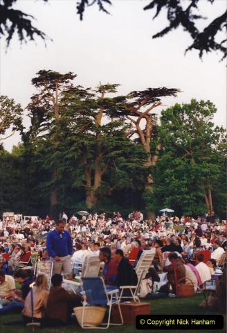1992 Miscellaneous. (270) Humph & Helen outdoor consert at Kingston Lacy (NT) near Wimborne, Dorset.0272