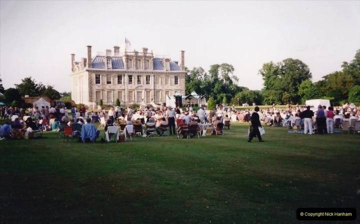 1992 Miscellaneous. (271) Humph & Helen outdoor consert at Kingston Lacy (NT) near Wimborne, Dorset.0273