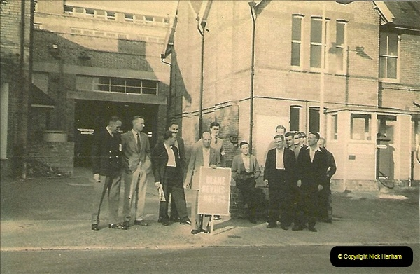 1959 to 2000 Rayal Mail mostly Bournemouth & Poole. Your Host & MANY good friends.  (94) 094