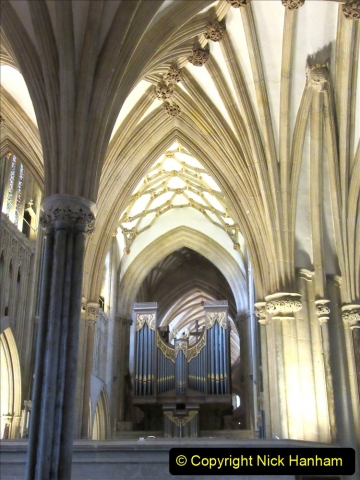2019-09-16 Wells, Somerset. (28) Wells Cathedral. 028