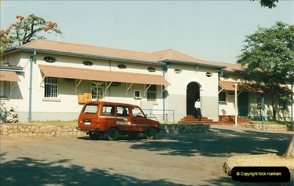 1998-11-02 Victoria Falls, Zimbabwe.  (1)581