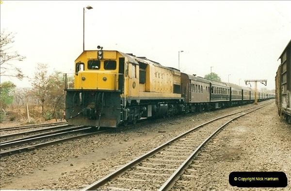 1998-11-02 Victoria Falls, Zimbabwe.  (5)585