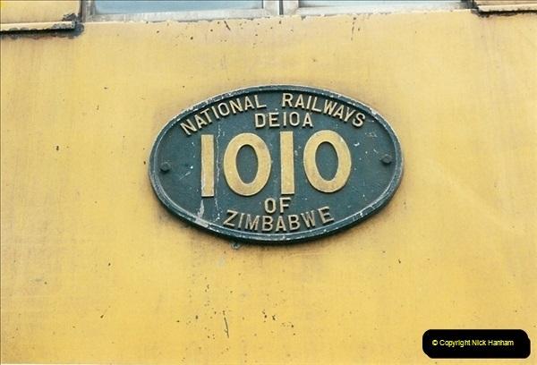 1998-11-02 Victoria Falls, Zimbabwe.  (6)586