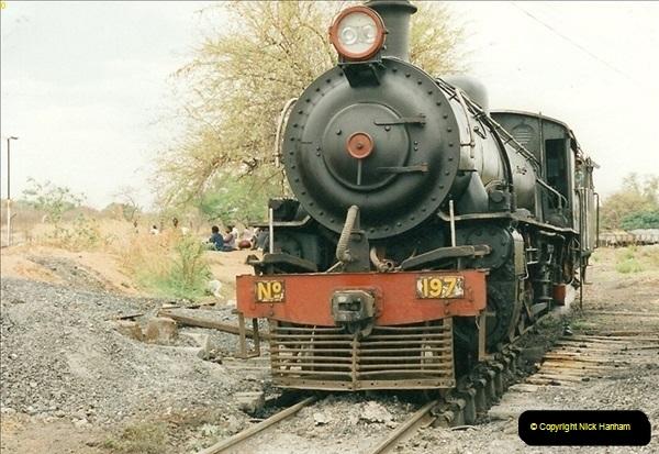 1998-11-02 Victoria Falls, Zimbabwe.  (7)587