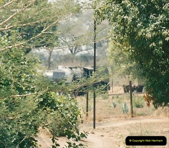 1998-11-03 Victoria Falls to Livingstone by Special Train (48)639