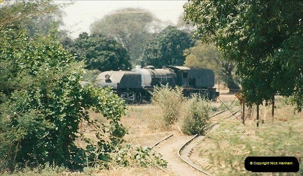 1998-11-03 Victoria Falls to Livingstone by Special Train (49)640