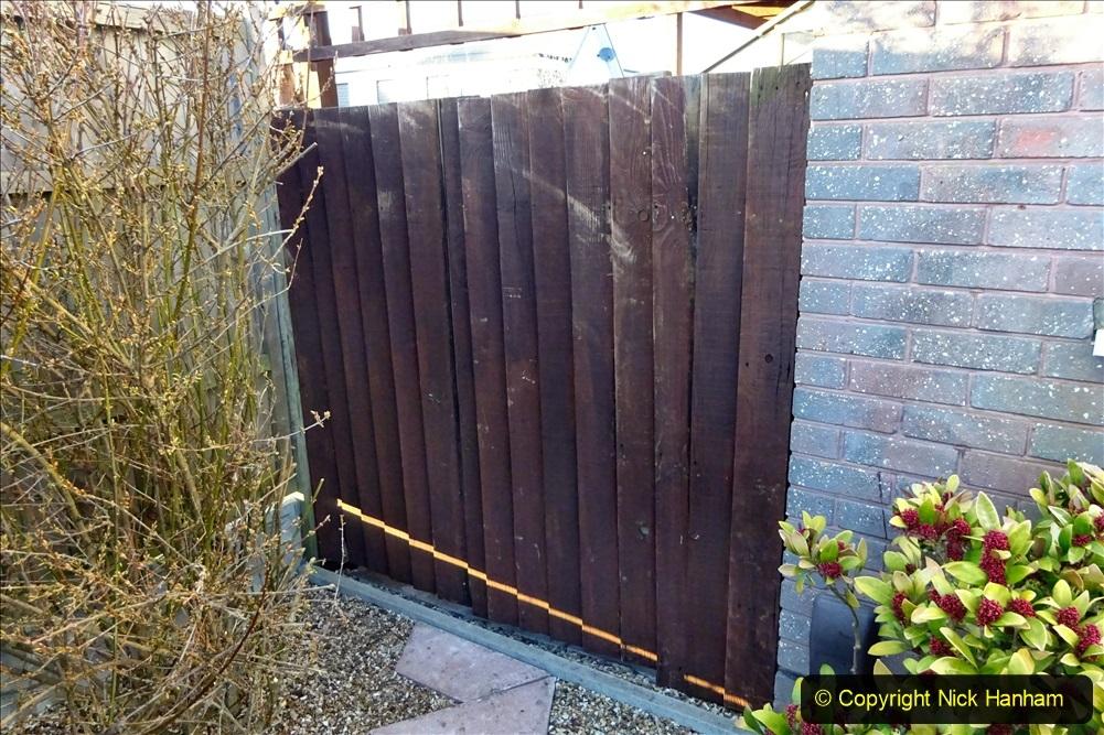 2021-02-27 New side gate for waste bins. Garden makeover. (29) 029