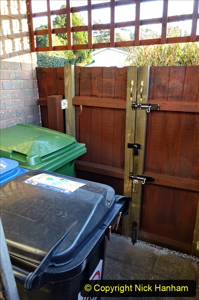 2021-02-27 New side gate for waste bins. Garden makeover. (32) 032