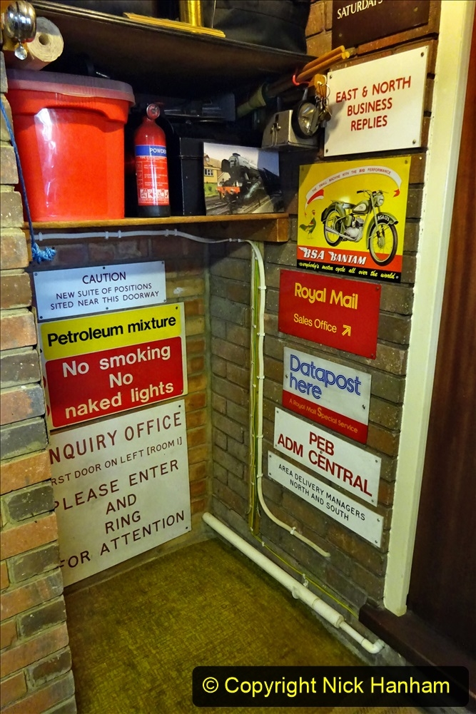 2021-02-27 New side gate for waste bins. House waste collection area in garage  for bins. Garden makeover. (34)  034