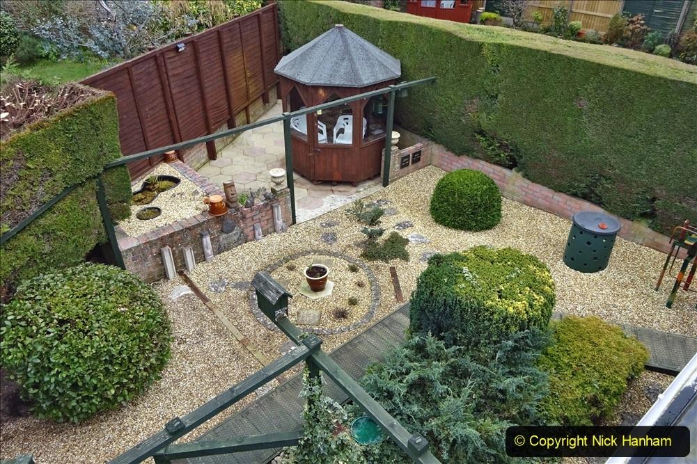 2021-03-01 Lowering hedge. Garden makeover. (49) 049