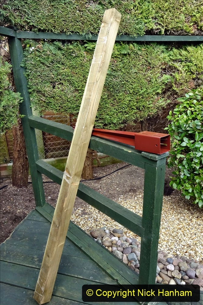 2021-03-03 Post for new fence. Garden makeover. (54) 054