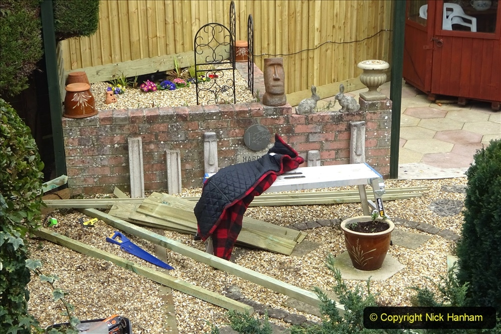 2021-03-20 More fencing and path slab pointing. Garden makeover.  (125) 125