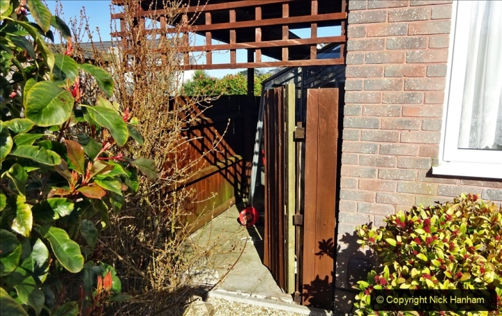 2021-02-27 New side gate for waste bins. Garden makeover. (26) 026