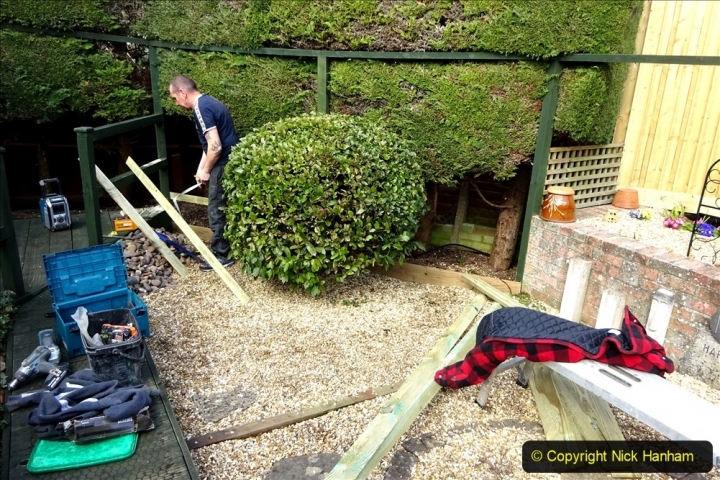 2021-03-20 More fencing and path slab pointing. Garden makeover.  (120)  120
