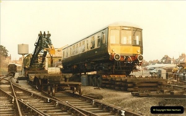 1985-03-12 The first DMU on the SR.  (2)0265