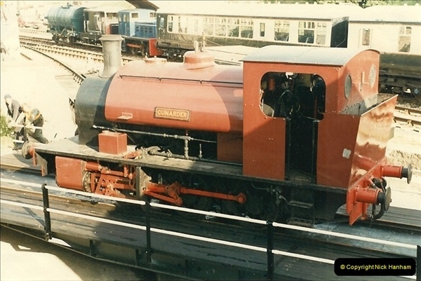 1985-05-06 Cunarder is the first locomotive to use the new turntable @ Swanage. Your Host firing.  (5)0284