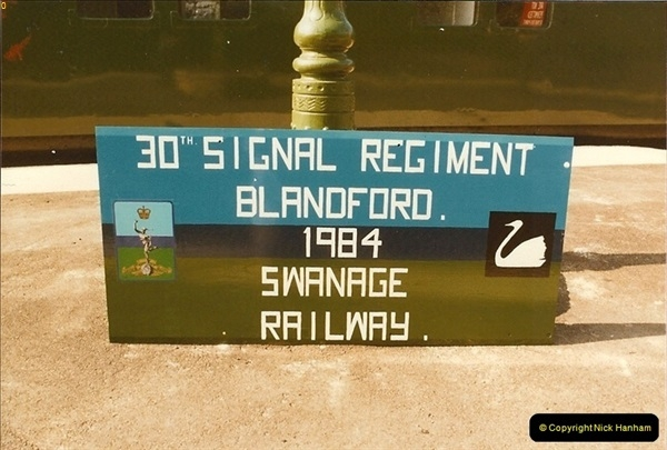 1985-08-13 Sigh to commemorate the link between the SR and the 30th. Signals Regiment @ Blandford Forum, Dorset.0323