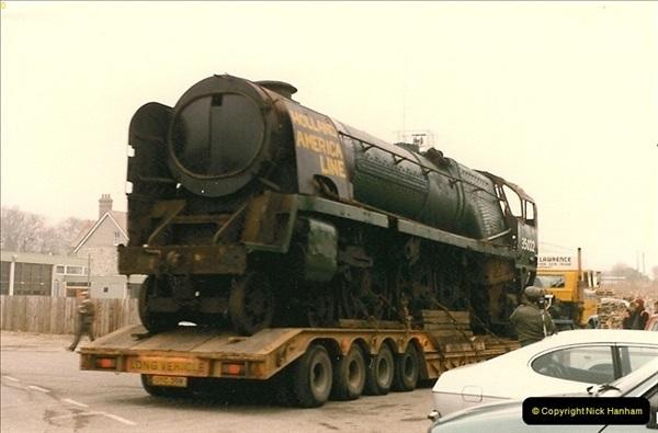 1986-03-12 35022 Holland America Line arrives at the SR.  (13)0361