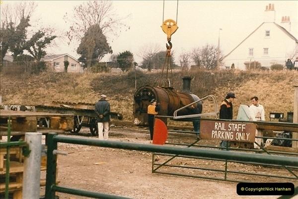 1986-03-12 35022 Holland America Line arrives at the SR.  (18)0366