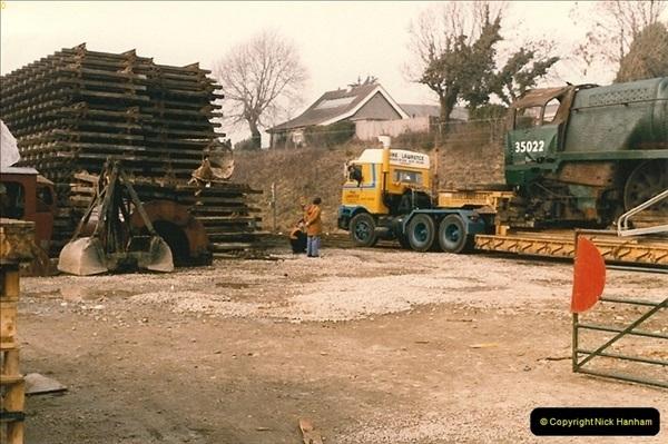 1986-03-12 35022 Holland America Line arrives at the SR.  (20)0368