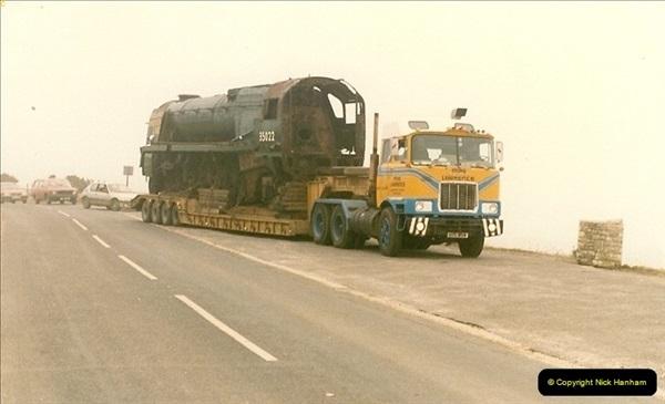 1986-03-12 35022 Holland America Line arrives at the SR.  (2)0350