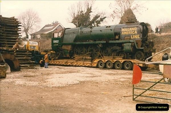 1986-03-12 35022 Holland America Line arrives at the SR.  (21)0369