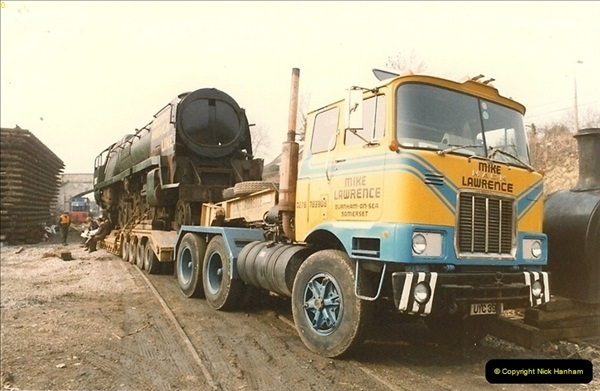 1986-03-12 35022 Holland America Line arrives at the SR.  (22)0370